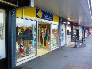 rsz_roy_castle_charity_shop_maghull_closing_12_13