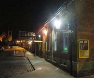 rsz_ormskirk_station_at_night