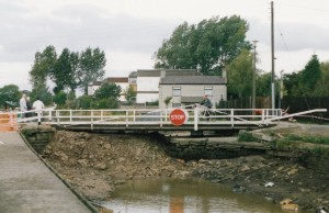 This shot looks at the Bells Lane swing bridge from the other side. The breach is a few hundred yards behind the camera.
