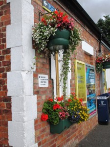 rsz_maghull_station_in_bloom_2